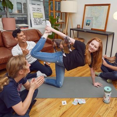 Gioco Yoga con la Capra