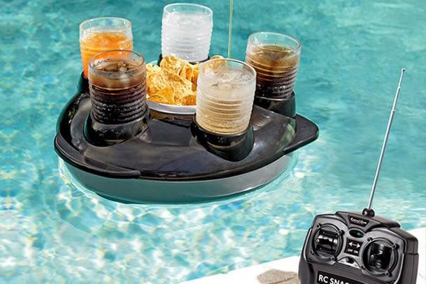 Vassoio radiocomandato per piscine dottorgadget for Gadget da piscina