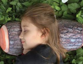 Log Pillow, un ceppo di legno per cuscino