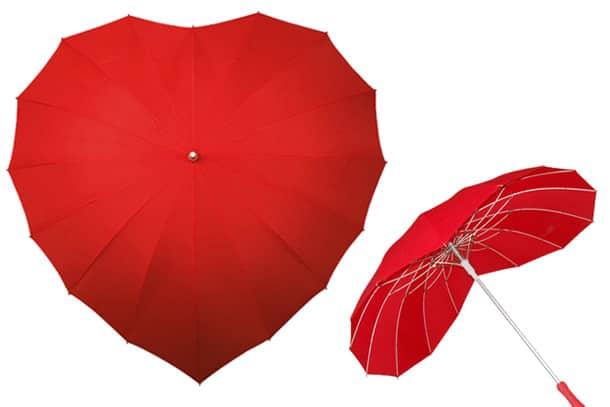 Love Umbrella, l'ombrello a forma di cuore  DottorGadget