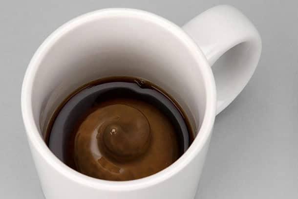 Il mug di cacca dottorgadget - Bagno sporco di cacca ...