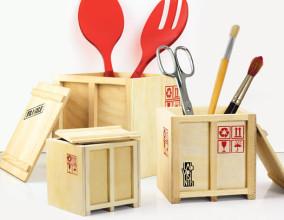 I container in legno da scrivania