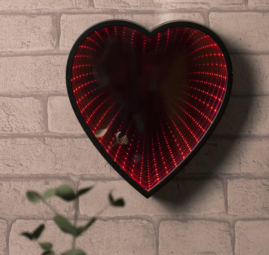 Specchio cuore infinity led dottorgadget - Specchio a cuore ...