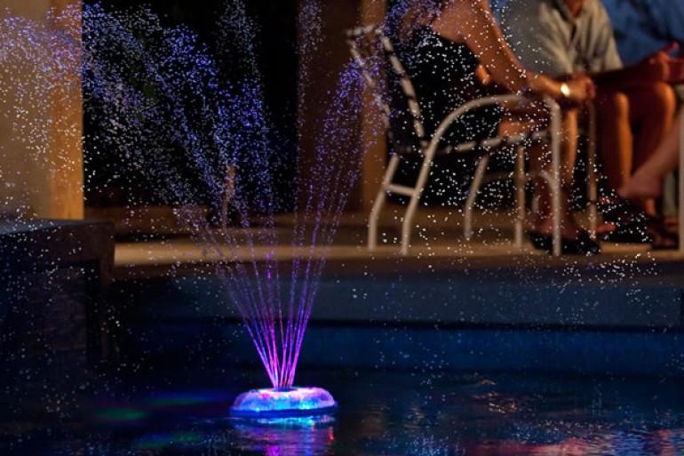 Fontana luminosa galleggiante dottorgadget - Fontana per piscina ...