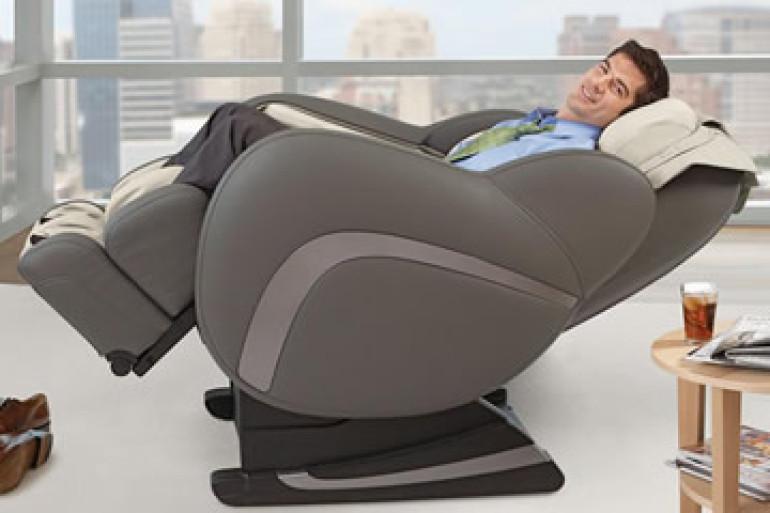 Uastro zero gravity la poltrona massaggiante dottorgadget for Poltrona massaggiante