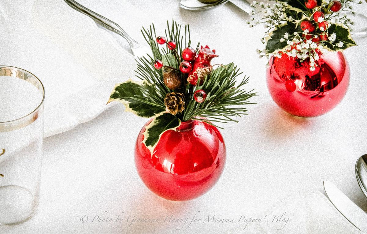 Centrotavola con palline di Natale