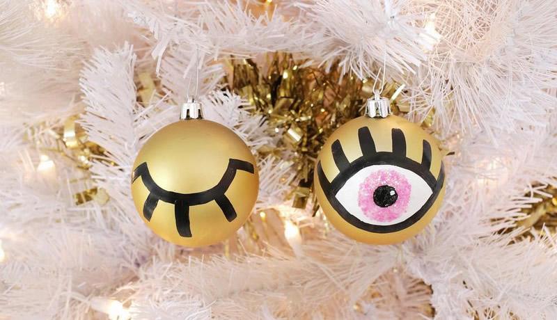 Palline di Natale con occhi dipinti a mano